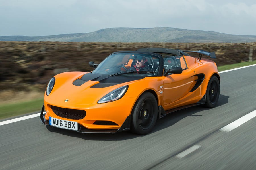 2020 Lotus Elise sports car made of extruded aluminium chassis ...