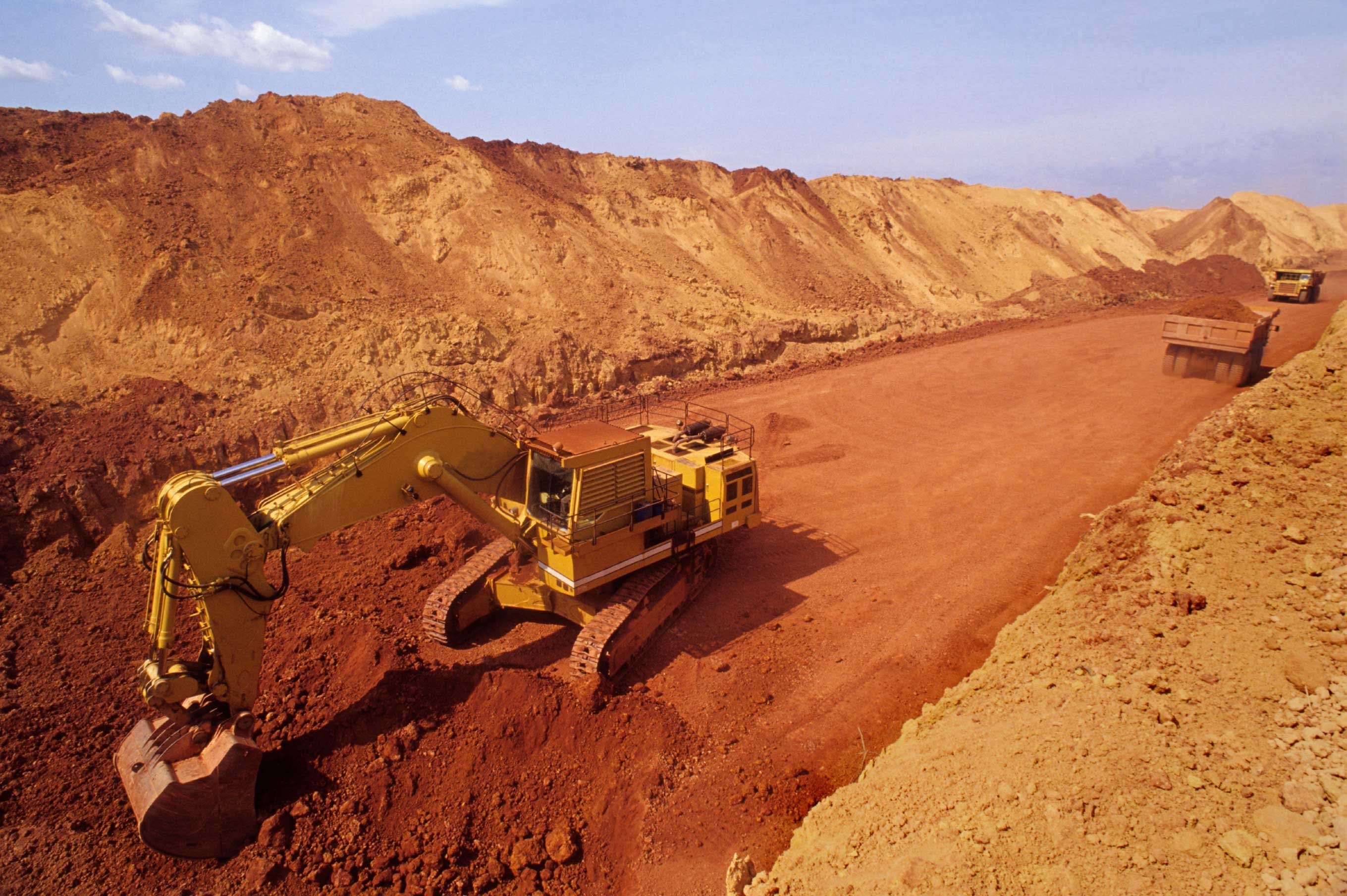 EGA signs contract with Vedanta to supply bauxite from its mine in