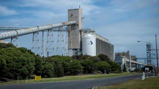 Alcoa to resume Portland aluminium smelter post AGL power deal