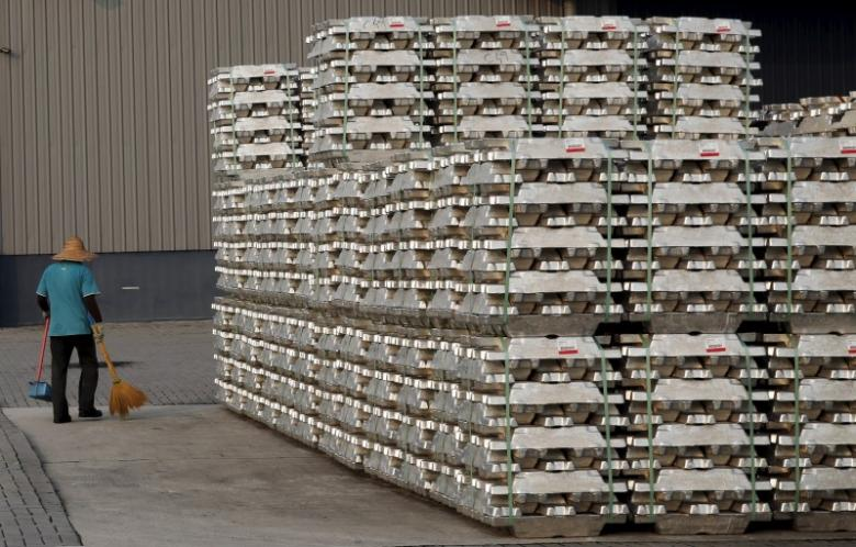 Fall in SHFE Aluminium attracts traders and downstream producers to spot Market in China